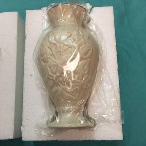 Lenox- New Classic Lenox Rose Medley Vase